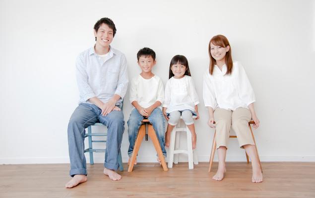 カジュアルな家族写真に最適!オシャレ親子の撮影 …