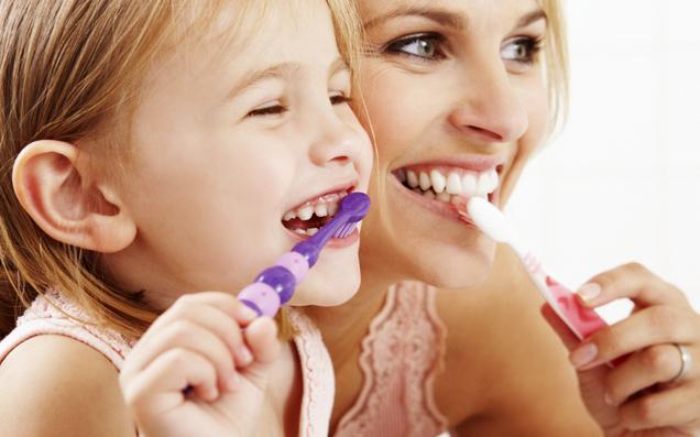 キレイと健康をつくる歯磨き時間。上質な歯ブラシを選んでみませんか?