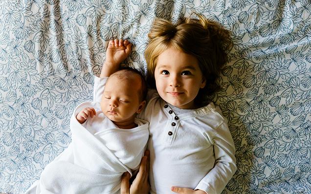 出産祝いに人気の「おくるみ」。実用性の高いおくるみを選ぶポイントとは?