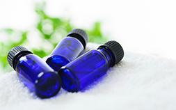 飲むアロマ。香りと効能が溶けこむアロマオイルカクテルの作り方
