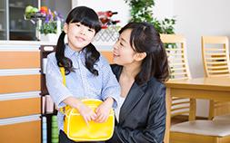 仕事と子育てが両立!働くママが手放せなくなるマザーズバッグのポイント