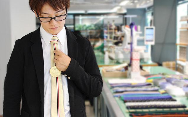 父の日プレゼント!!「妻が選んだネクタイをしめたら、お父さんがかっこよくなった!!」