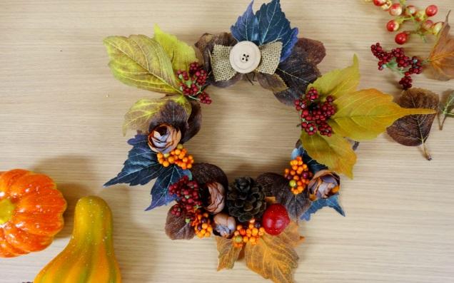プチプラナチュラルアイテムで大人気のVita(ウィータ)を大活用♪秋色リースを作ろう!