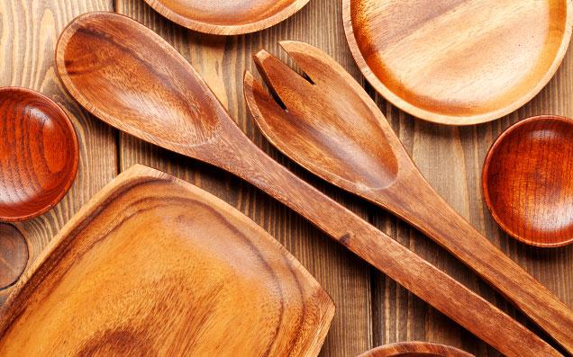カフェ気分を満喫!木製のキッチンアイテムがある生活