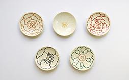 大切な人に贈りたい「一点もの」。11人のデザイナーによる手書きの絵皿