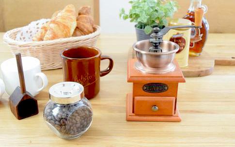 コーヒーミル、スパイスジャー4個セット、マグカップ
