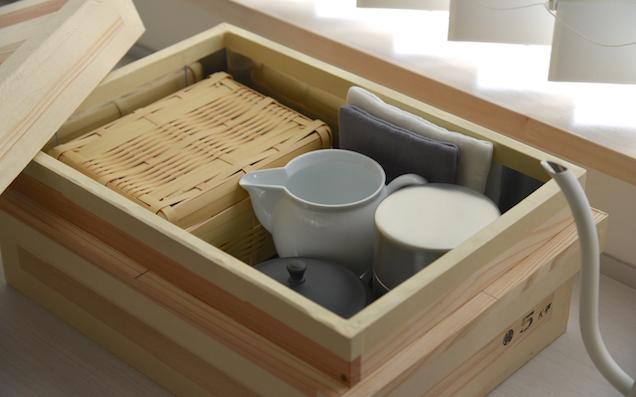 おしゃれに収納!そして湿気にも強い「茶箱」の魅力