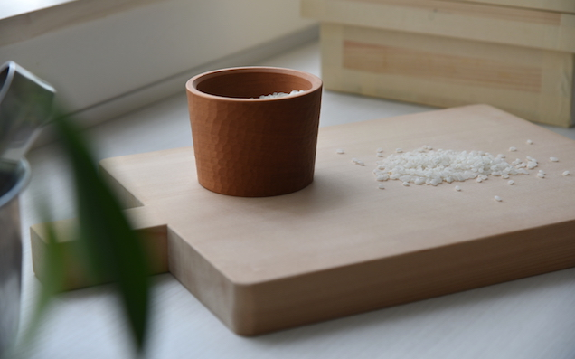 桐の米びつと木製計量カップで、お米をおいしくおしゃれに収納しよう!
