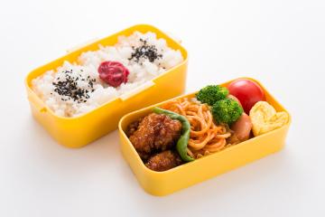 プラスチック製の弁当箱