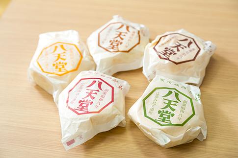 くりーむパン「八天堂」×宅配クリーニング「リアクア」