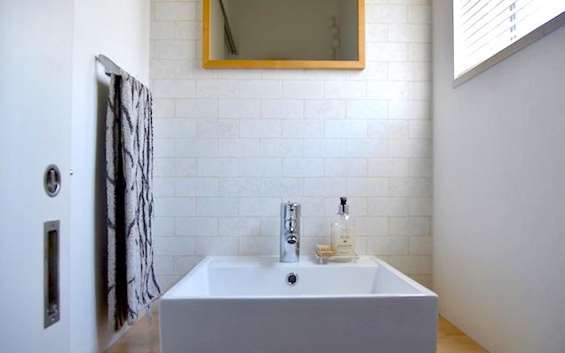 狭い空間も素敵に演出しましょう! お手洗いで大活躍のおしゃれな便利グッズをご紹介!