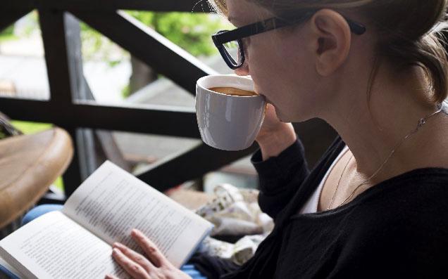 本にそっと寄り添う、大人のためのおすすめブックカバー