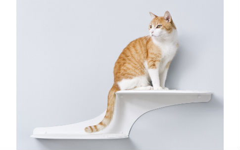 The Refined Feline Cat Cloud Cat Shelves in White, Left Facing