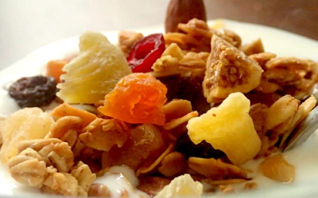 朝から健康生活! 食物繊維が豊富で栄養抜群のグラノーラ