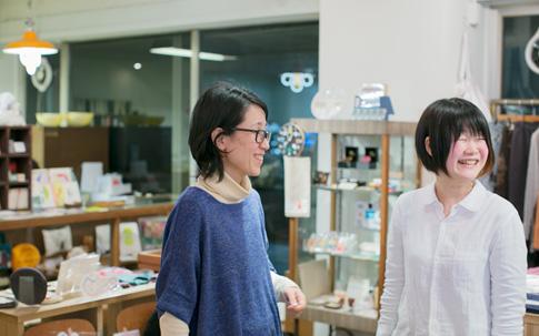 左から神崎さんと松井さん。