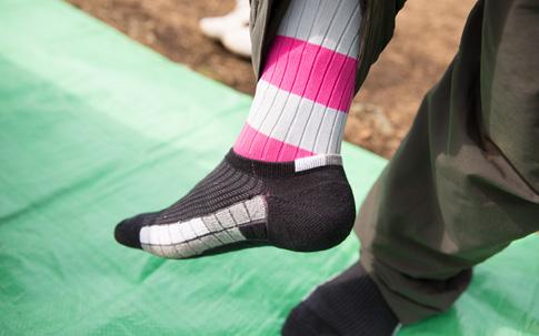 寒さは足元から。オススメは靴下の2重履き!